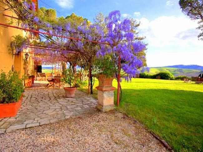 Private Villa With Pool And Mesmerising Views Of The Rolling Hills Towards Siena