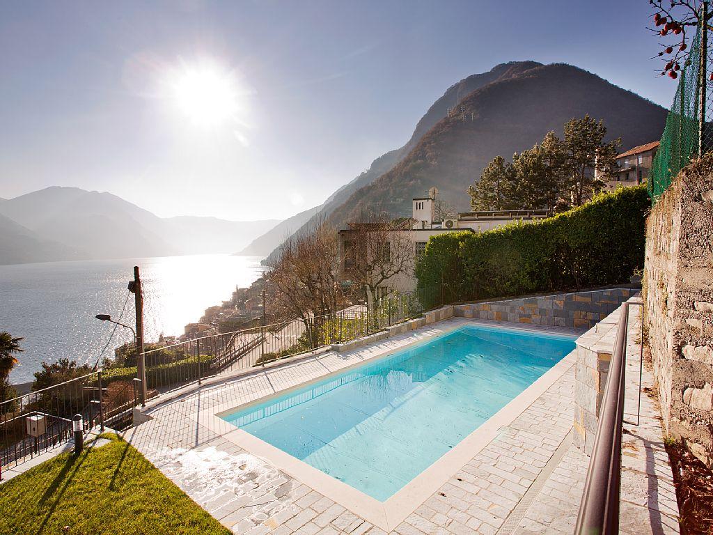 Argegno Pool Apartment